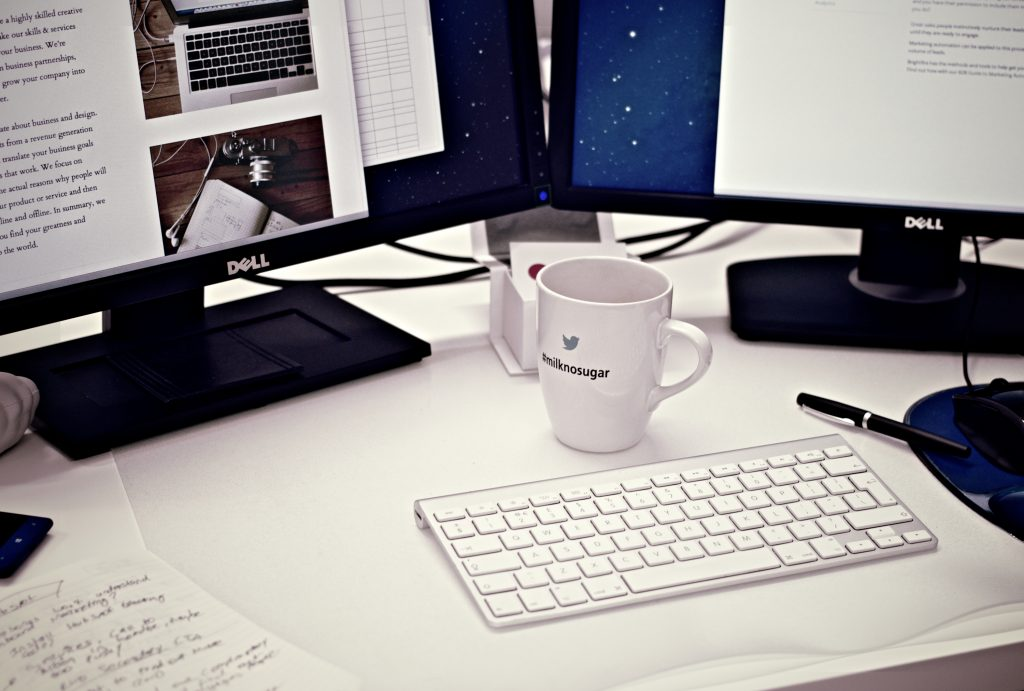 blogging-keyboard-desktop-coffee-mug