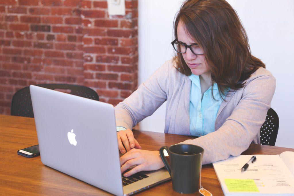woman-writing-a-blog-fast