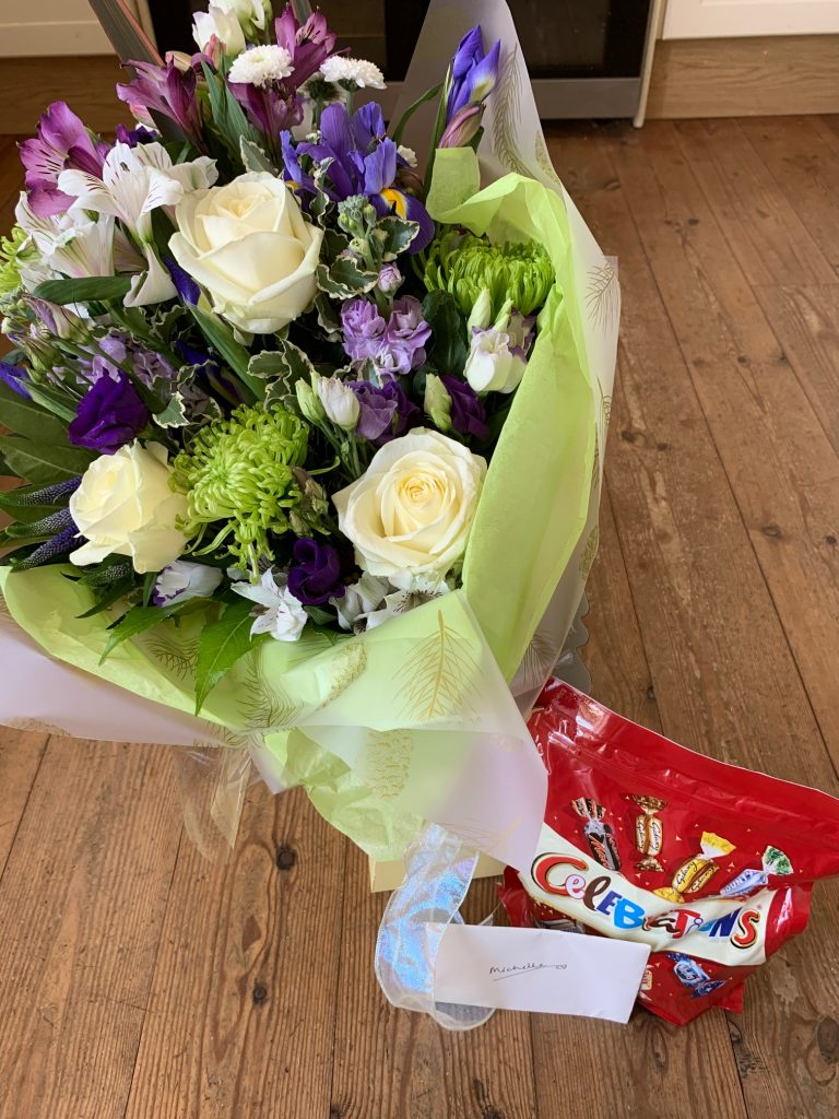 flowers-chocs-card-antenatal-courses